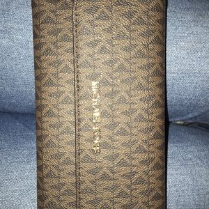 Micheal kors wallet BRAND NEW